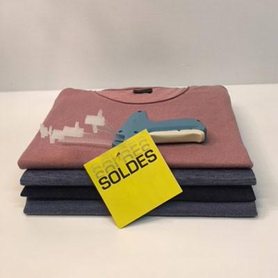 """Paquet de 50 étiquettes carton """"SOLDES..."""" L90 H90 mm"""