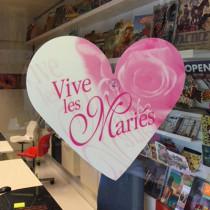"""Décoplastic coeur """"Vive Les Mariés"""" L30,5 H25 cm"""