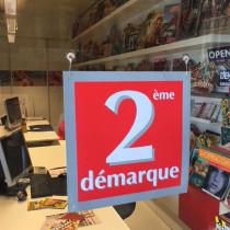 """Carton """"2ème demarque"""" L34 H34 cm et 4 ventouses recto verso identiques"""