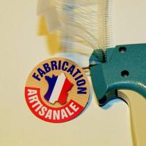 """Paquet de 50 étiquettes carton pelliculé  """"FABRICATION ARTISANALE"""" L50 H50 mm"""
