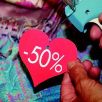 """Paquet de 50 étiquettes carton coeur """"-50 %"""" L87 H82 mm"""